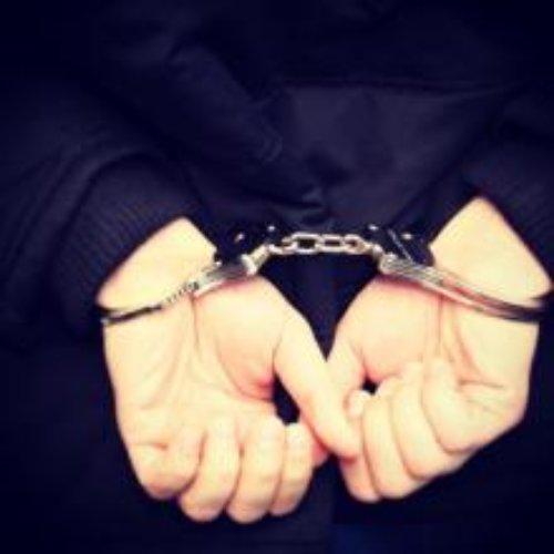 """Wadowice. Dwaj """"złomiarze"""" odpowiedzą za kradzież z włamaniem do budynku, z którego ukradli elementy metalowe"""